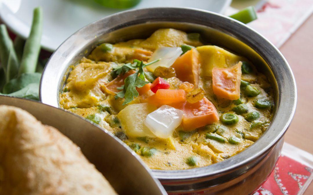 Sopa de legumes com caril