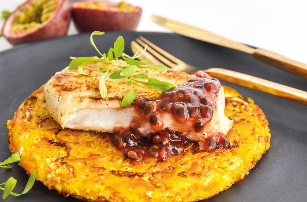 Filetes de pescada com molho de maracujá e rosti